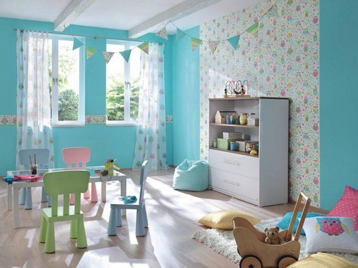 Açık mavi çocuk odası duvar kağıdı modeli