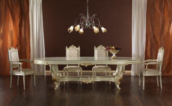 Klasik tarz yemek masası modeli