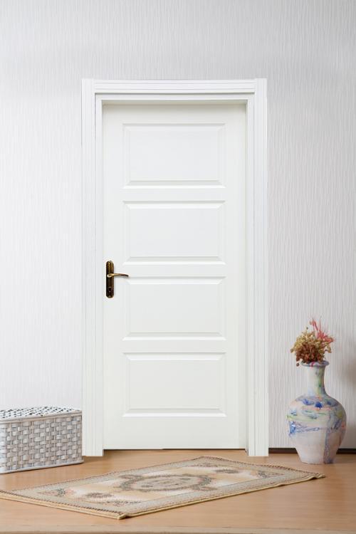 Modern Beyaz Kapı Modeli