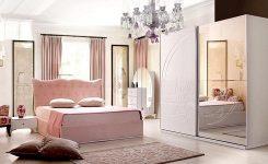 Pudra Rengi Yatak Odası Dekorasyonu Modelleri