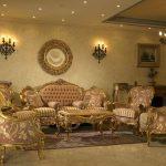 Altın rengi salon dekorasyonda nelere dikkat edilmeli