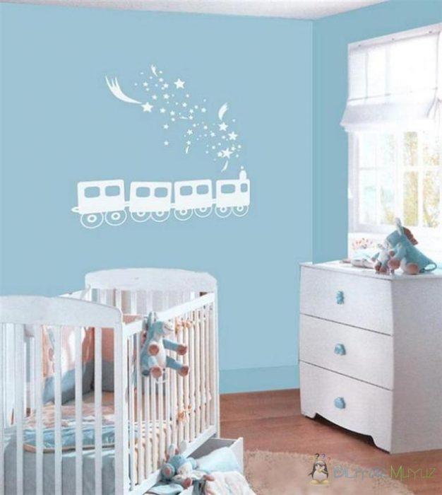 Erkek bebek odası duvar kağıdı modelleri