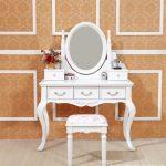 Klasik Aynalı Makyaj Masası Modelleri