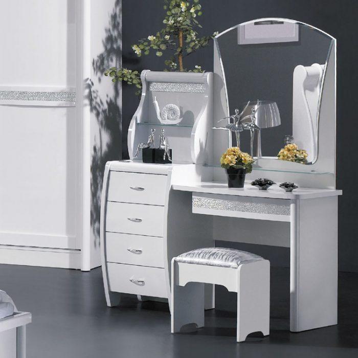 Modern Aynalı Makyaj Masası Modelleri