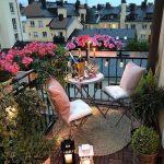 Çiçekli balkon dekoru