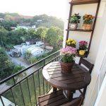 Küçük balkon masa sandalye dekorasyonu