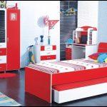 Kırmızı çocuk odası