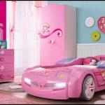 Kız çocuk odası araba