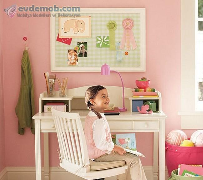 Birbirinden Güzel Çocuk Çalışma Masaları 7