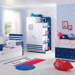 Mavi beyaz bebek odası