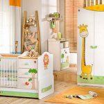 Safari temalı bebek odası
