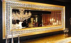 Altın varak çerçeveli salon ayna modelleri