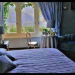 Mavi yatak odası perdesi