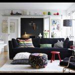 Siyah oturma odası koltukları