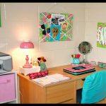 Renkli çocuk çalışma odası