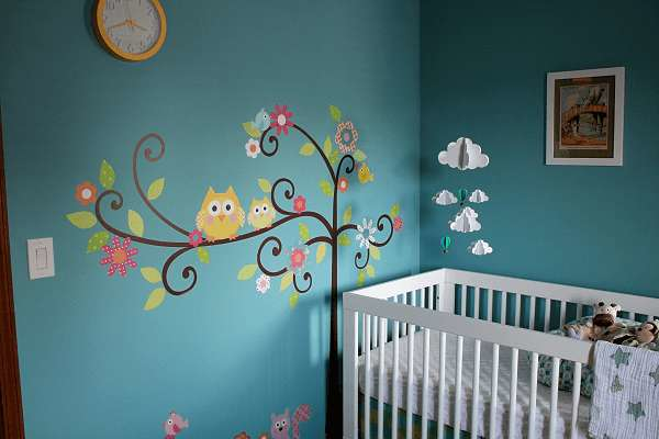 Boyamalı bebek odası duvar süsleri