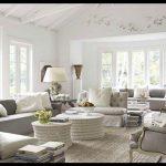 Klasik oturma odası dekorasyonu